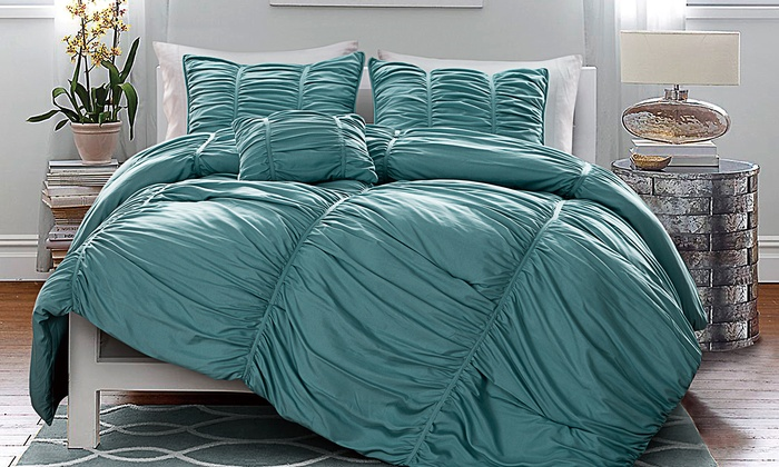bath matte beyond set comforter satin pleated product sets store pleat bed