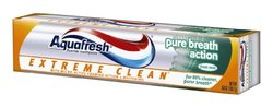 Aquafresh Extreme Clean Pure Breath Action Fluoride Toothpaste, Fresh Mint, 5.6 Ounce