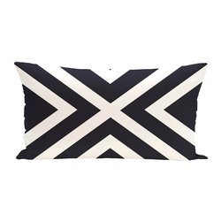 """E By Design """"X"""" Marks Spot Stripes Print Outdoor Seat Cushion - Bewitching"""