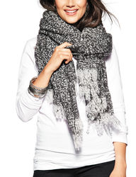 Steve Madden Women's Heathered Boucle Blanket Wrap - Silver