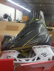 CCM Tacks Classic Senior Hockey Skates - Black/Grey - Size: 7.5