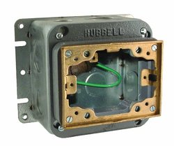 Hubbell-Raco 6256 54 Cubic Inch 1-Gang Rectangular Fully Adjustable Concrete Floor Box