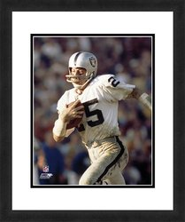 "NFL Oakland Raiders Fred Biletnikoff 18"" x 22"" Framed Sports Photograph"