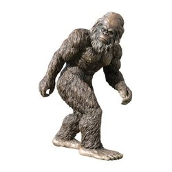 Design Toscano DB3830 Bigfoot, the Garden Yeti Statue; DB383091
