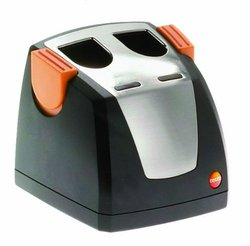 Testo Fast Battery Charger for Thermal Imager - (0554 8801)