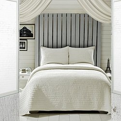VHC Brands Rochelle Creme Queen Set with 1-Quilt and 2 Shams