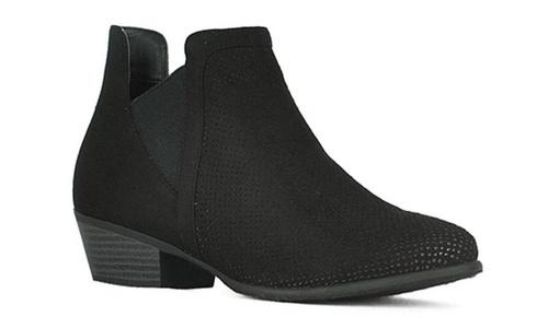 eec2835df390 Women s Low Heel Faux Suede Cut Out Ankle Booties - Black - Size  9 ...