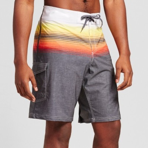 Board shorts are quick drying to offer you optimal comfort when engaging in water sports. Different features of men's big and tall board shorts Depending on the type of activities you're engaging in, various features may come in handy.