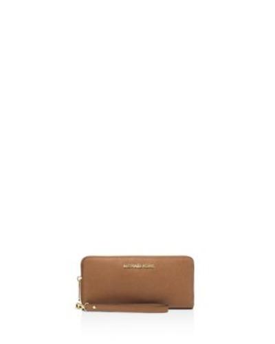 901a6fc8f6f7 Michael Kors Women's Jet Set Travel Leather Continental Wallet Wristlet -  Acorn