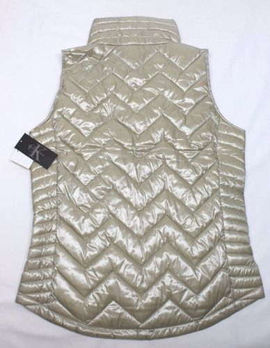 058774d57ba53 Calvin Klein Women s Chevron Quilted Down Vest - Metallic Gold ...